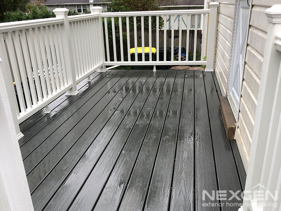 Small Deck Designs with Trex