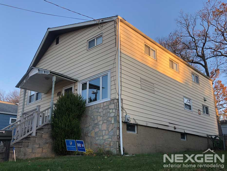 Old Siding Needing Replacement in Roslyn, PA