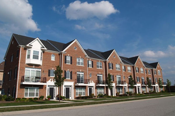 HOAs for Multi-Unit Roofing