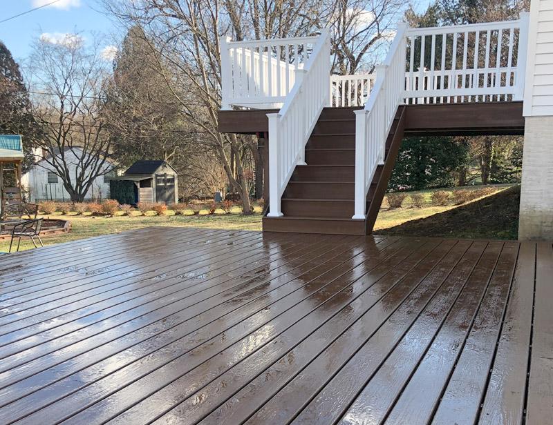 Custom Wood Deck Contractors